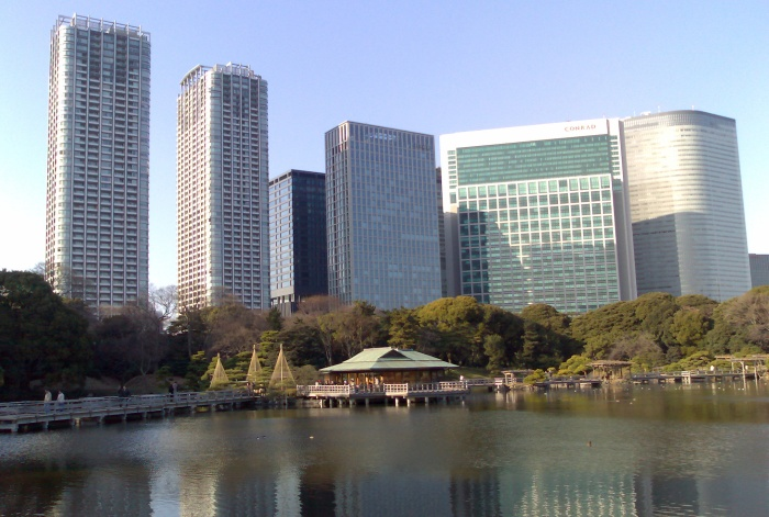 Hamarikyu-teien, or the Detached Palace Garden, and some newer Tokyo buildings. Apparently duck catching was a popular sport several centuries ago and so there are a series of walls and ponds in the garden to allow people to sneak up on unsuspecting ducks - a unusual hobby that I've not heard of before.